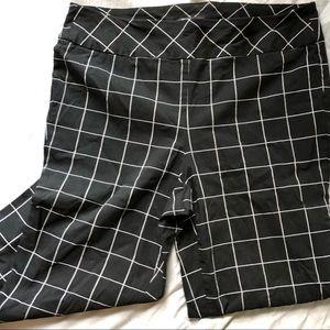 Roz & Ali Capri Windowpane Leggings 16 Black Rayon